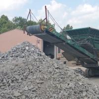 drtící jednotka a drcený beton